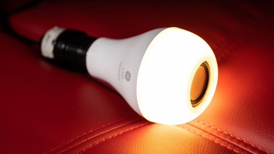 light bulbs with speaker